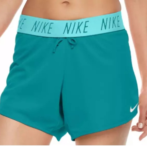 🔥Nike Sale🔥 NEW Nike Women's Dry Attack Shorts